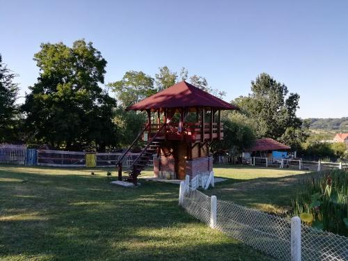 platforma-sa-pogledom-na-etno-zoo