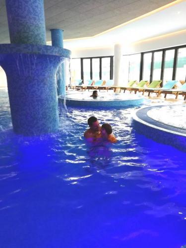 Hotel-Tonanti-bazeni